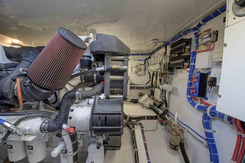 Hatteras 45 Express Engine Room